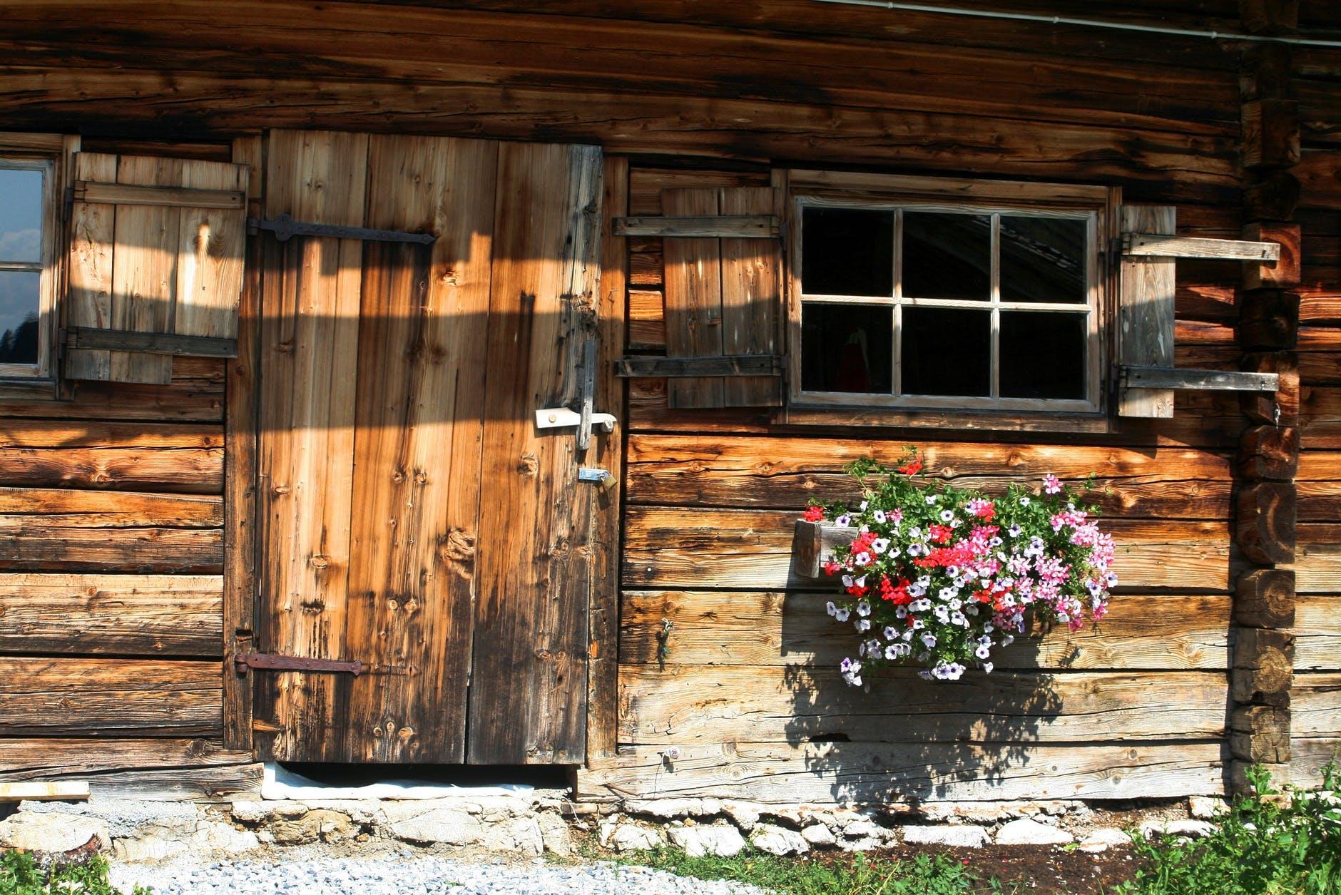 architecture barn bungalow cabin